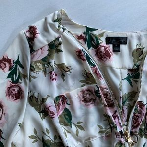 J for Justify Tops - Floral blouse NWT